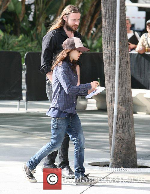 ellen page at the staples centre with 3939063