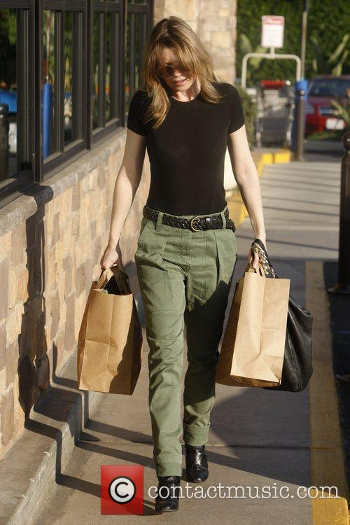 Ellen Pompeo leaves Gelson's in Los feliz after...