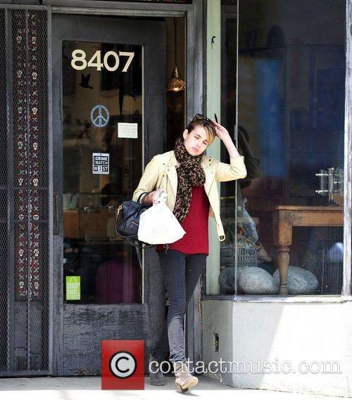 emma roberts shopping for antiquities near her 3926530