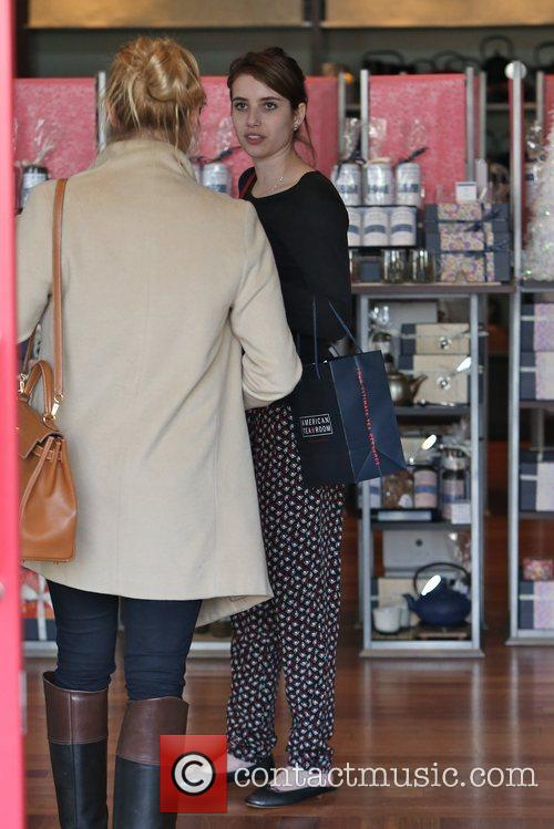 emma roberts seen shopping with friends in 5963816