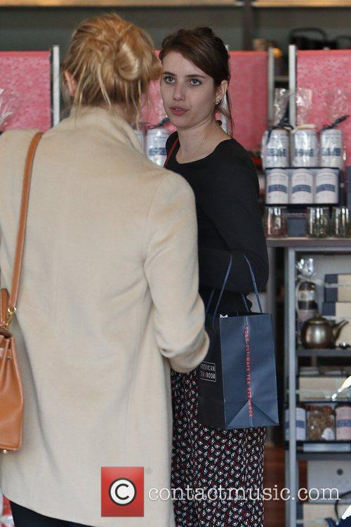 emma roberts seen shopping with friends in 5963817
