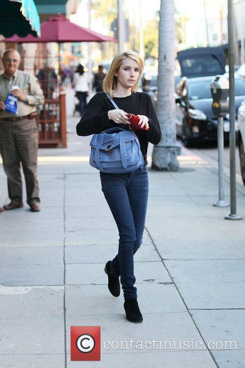 emma roberts heads to beverly hills nail 3675973