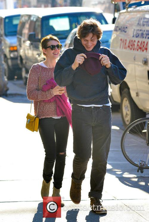 Emma Roberts and Evan Peters 7