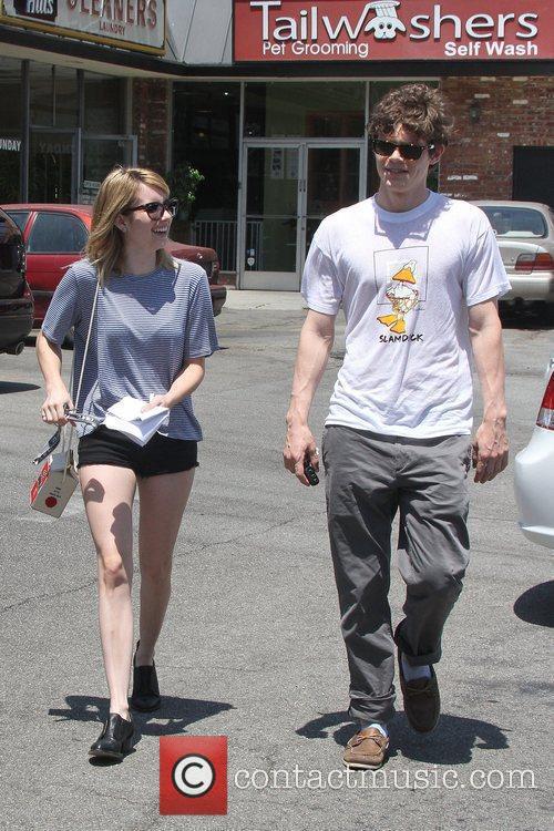 Evan Peters and Emma Roberts 2