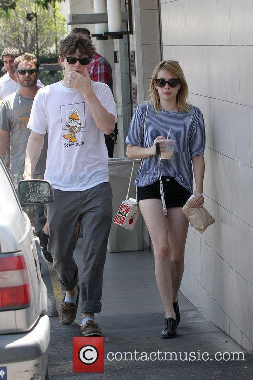 Evan Peters and Emma Roberts 8
