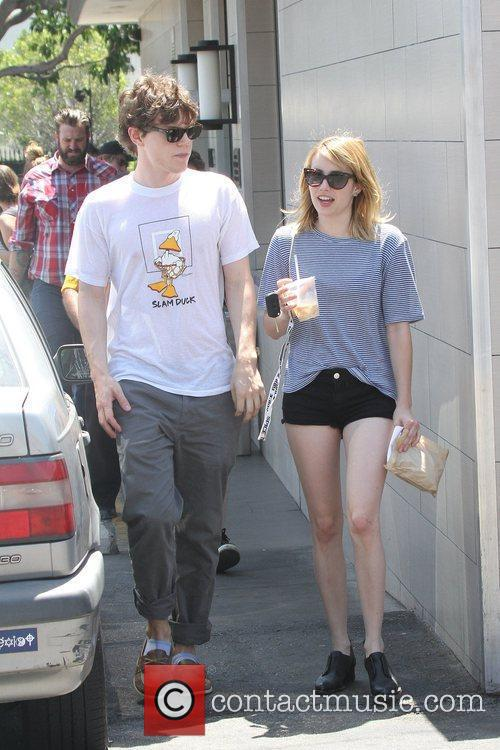 Evan Peters and Emma Roberts 10
