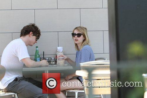 evan peters and emma roberts seen eating 5891668