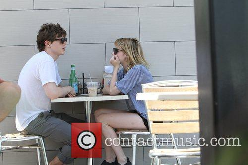 evan peters and emma roberts seen eating 5891670