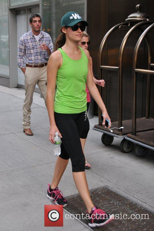 actress emmy rossum seen on her cell 5888207