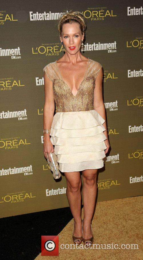 kaley cuoco 2012 entertainment weekly pre emmy party 4093099