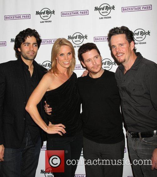 Adrian Grenier, Cheryl Hines, Kevin Connolly, Kevin Dillon and Hard Rock Hotel And Casino 3