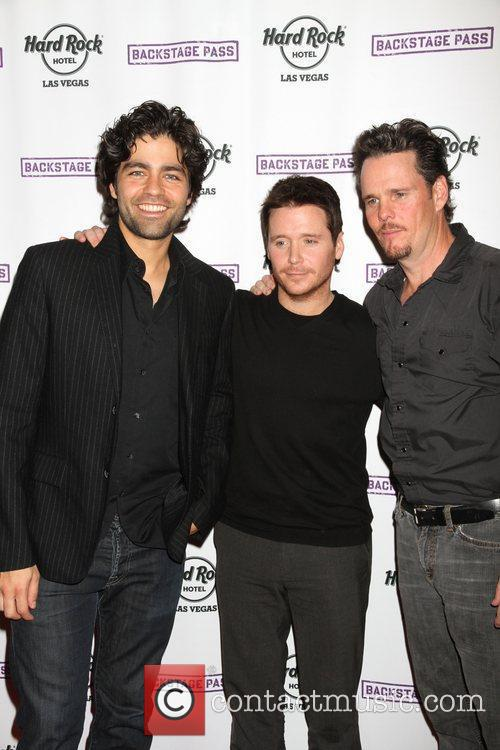 Adrian Grenier, Kevin Connolly, Kevin Dillon and Hard Rock Hotel And Casino 4