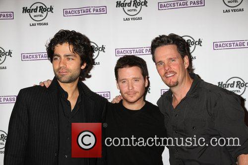 Adrian Grenier, Kevin Connolly, Kevin Dillon and Hard Rock Hotel And Casino 5