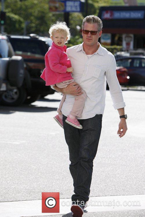 Eric Dane takes his daughter shopping at Samy's...