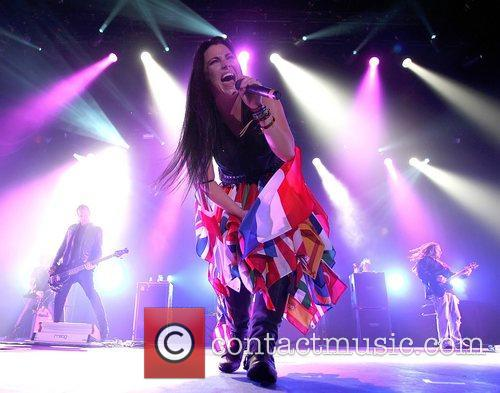Amy Lee and Wembley Arena 1