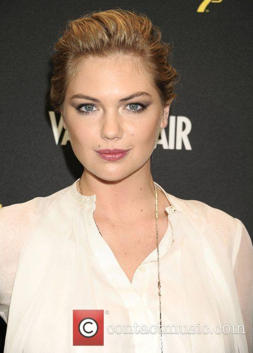 Kate Upton  Everything or Nothing:The Untold Story...