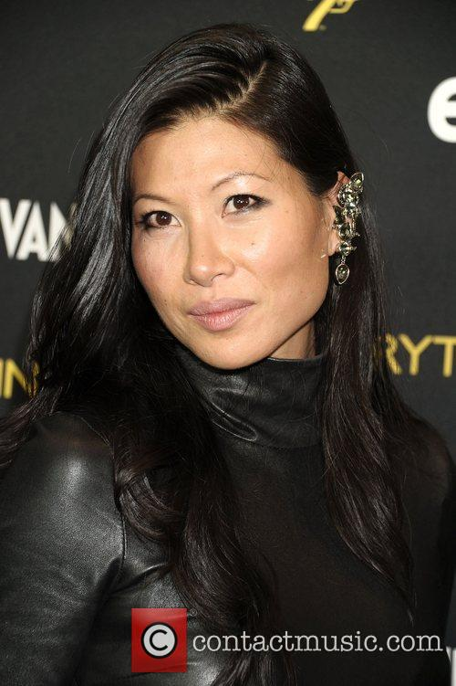 Monica Chang  Everything or Nothing:The Untold Story...