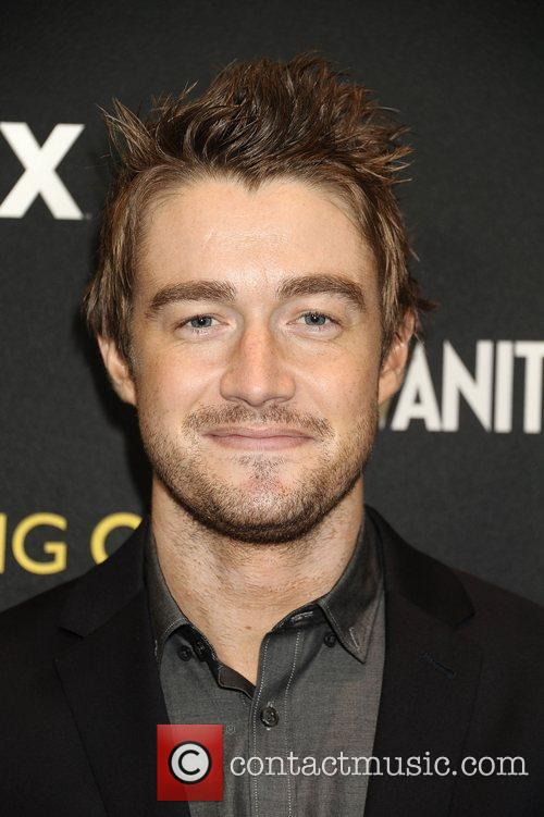 Robert Buckley  Everything or Nothing:The Untold Story...
