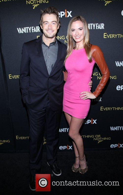 Robert Buckley, Jena Sims  Everything or Nothing:The...