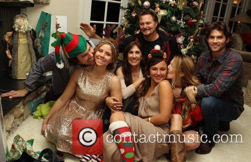 Jason Evigan, Victoria Evigan, Pam Evigan, Briana Evigan, Vanessa Evigan, Greg Evigan and Miles 3
