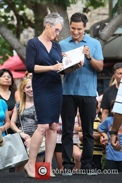 Jamie Lee Curtis and Mario Lopez 5