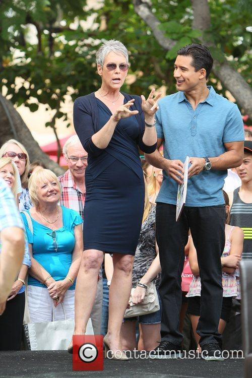 Jamie Lee Curtis and Mario Lopez 6