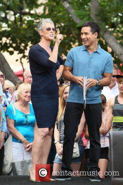 Jamie Lee Curtis and Mario Lopez 7