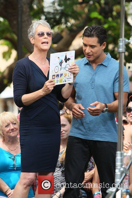 Jamie Lee Curtis and Mario Lopez 8