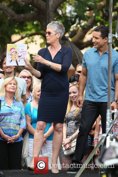 Jamie Lee Curtis and Mario Lopez 10