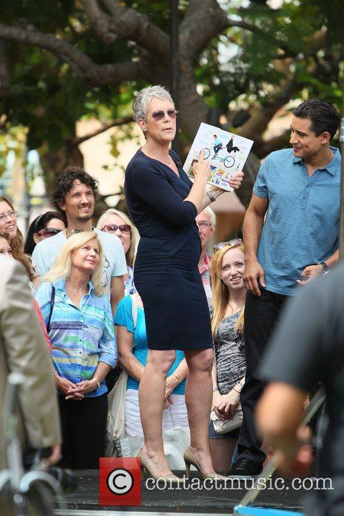 Jamie Lee Curtis and Mario Lopez 13