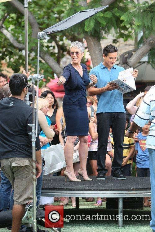 Jamie Lee Curtis and Mario Lopez 14