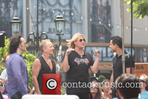 Def Leppard and Mario Lopez 5