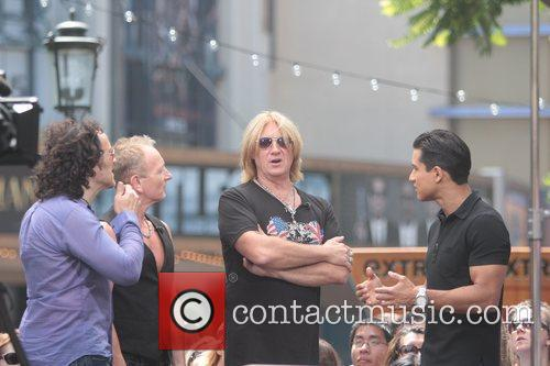 Def Leppard and Mario Lopez 8