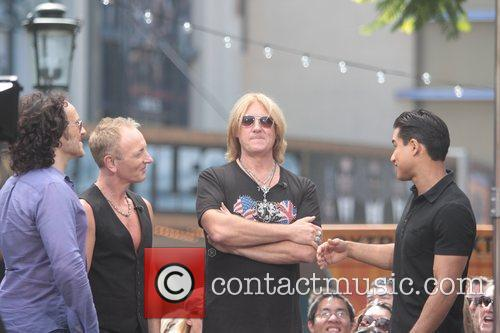 Def Leppard and Mario Lopez 9