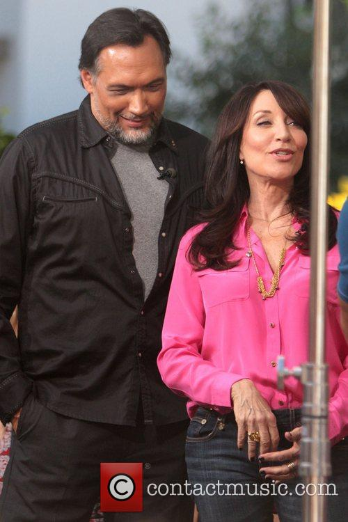 Jimmy Smits and Katey Sagal 6