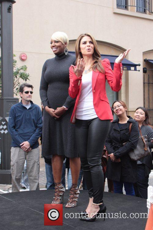 Leakes and Maria Menounos 8