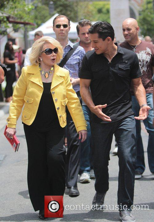 Joan Rivers and Mario Lopez 4