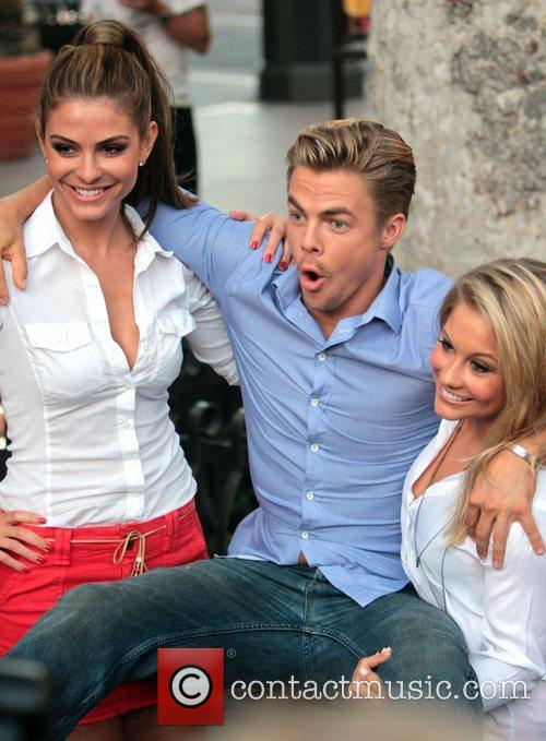 Maria Menounos, Derek Hough and Shawn Johnson 1