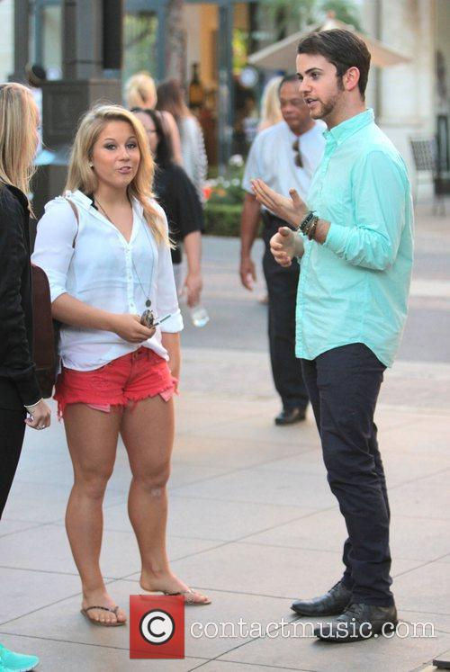 shawn johnson celebrities at the grove to 4079470