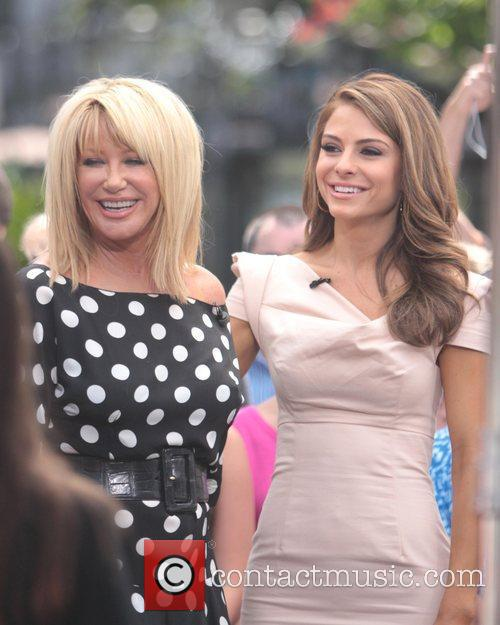 Suzanne Somers and Maria Menounos 10