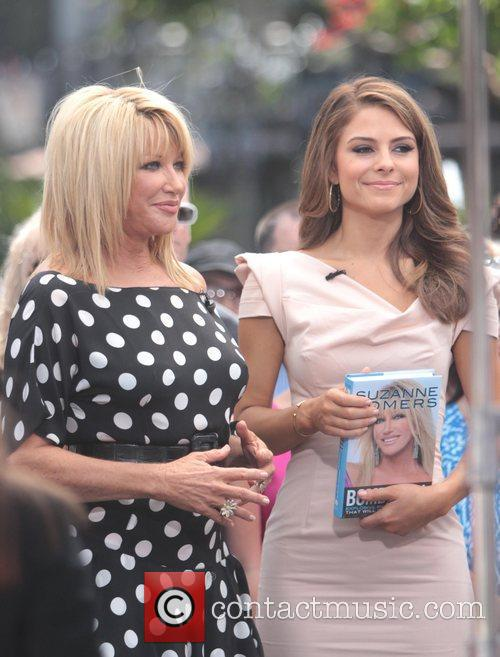 Suzanne Somers and Maria Menounos 11