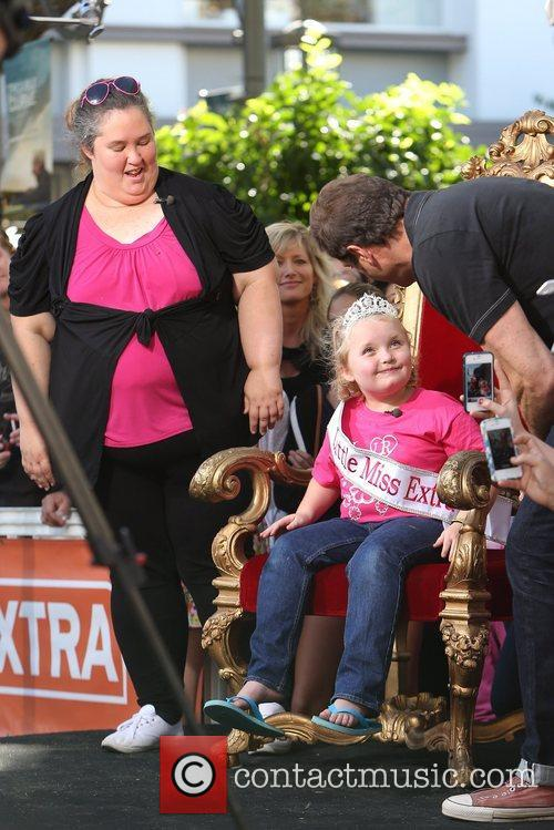 Here Comes Honey Boo, Boo, Alana Thompson and Mama June 25