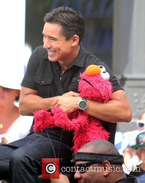 Mario Lopez, Kevin Clash and Elmo 4