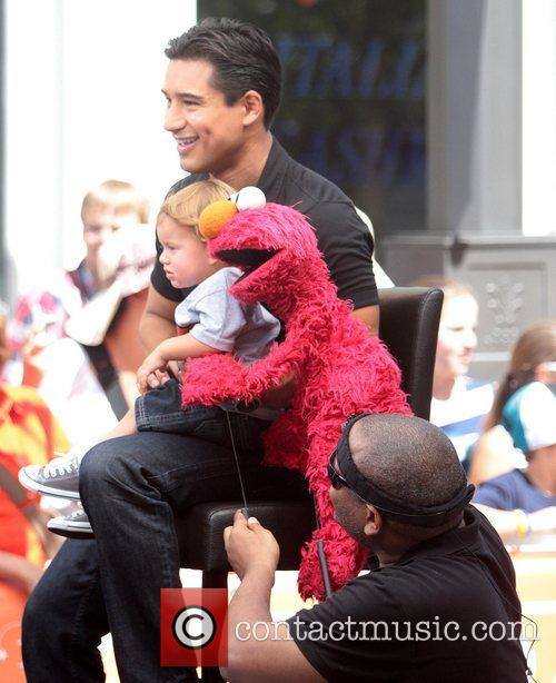 Mario Lopez, Kevin Clash and Elmo 3