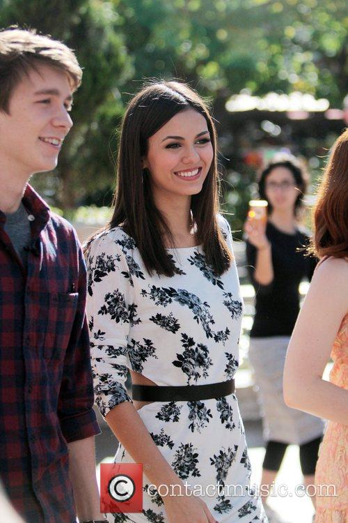 Thomas Mann and Victoria Justice 2
