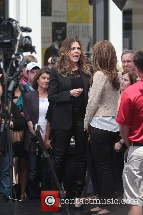 Maria Menounos and Rita Wilson 4