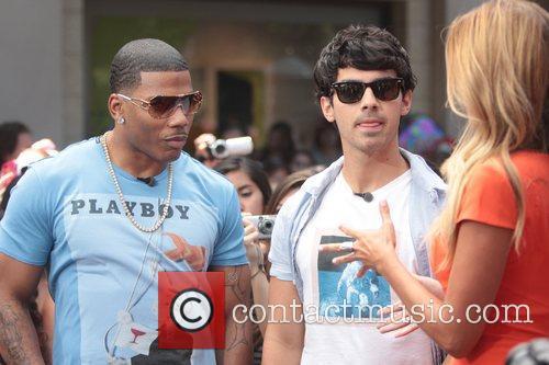Nelly and Joe Jonas 23