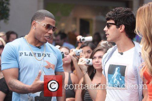 Nelly and Joe Jonas 24