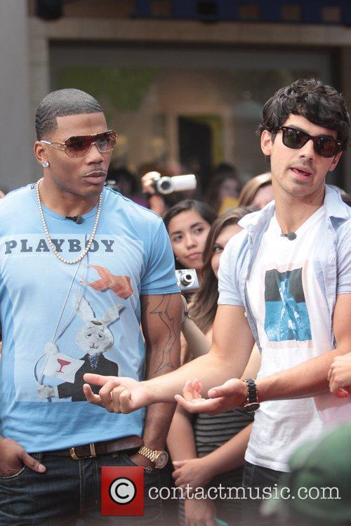 Nelly and Joe Jonas 26