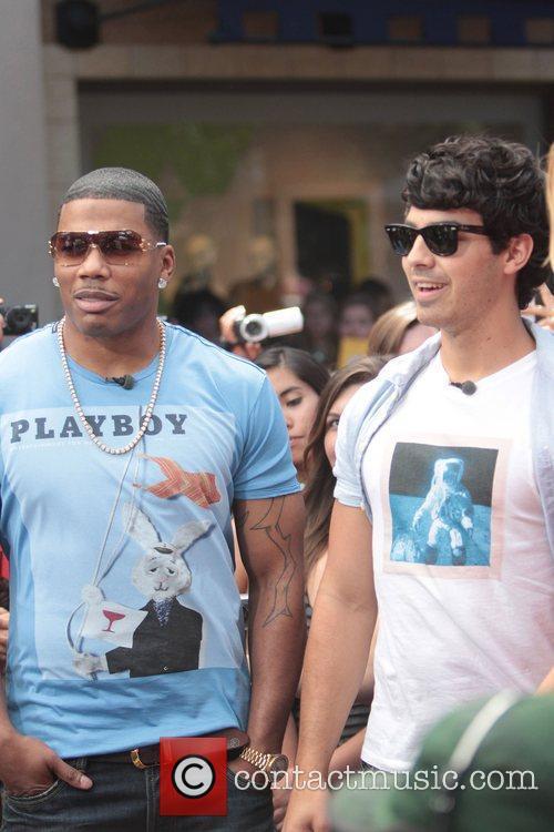 Nelly and Joe Jonas 27